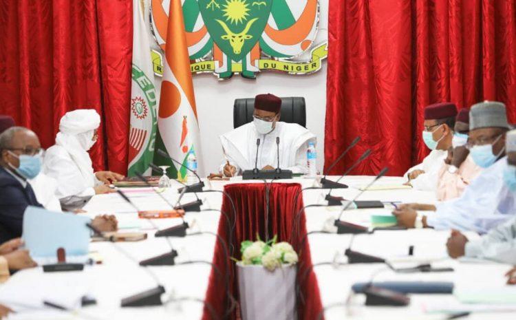 Le Président de la République a présidé mercredi la 4ème Réunion bimensuelle de Suivi de la mise en œuvre de la Feuille de Route de Pau