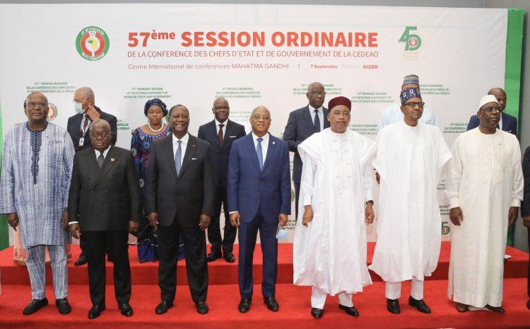 Le 57ème Sommet de la CEDEAO exprime sa profonde gratitude au Président Issoufou Mahamadou pour son leadership exemplaire à la tête de l'organisation régionale